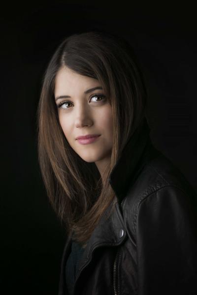 Veronia Roth author photo