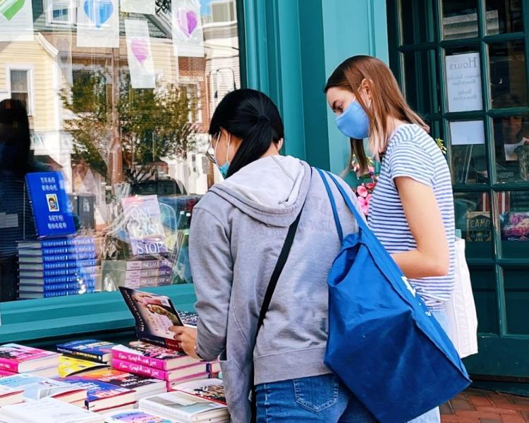 Teens browsing books